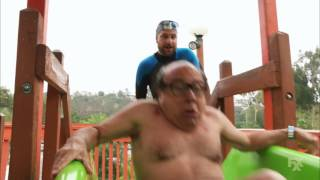 Its Always Sunny in Philadelphia - Frank tries the Thunder Gun Express water slide