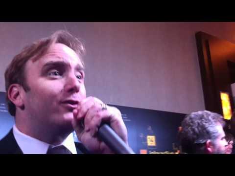 Jay Mohr Serenades Kotaku, Jokes About Video Games, Activision and Nintendo
