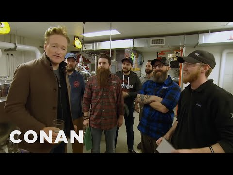 Conan Visits The Samuel Adams Brewery (видео)