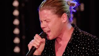 Conrad Sewell Performs 'Love Me Anyway' Live On TRL
