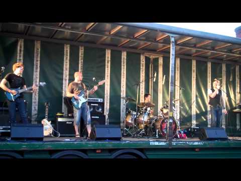 "Red Leaf cover ""All My Life"" by Foo Fighters at Reepham Festival '11"