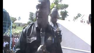 Mwakilishi wa wabunge wa UKAWA John Heche akiongea na wakazi wa Katoro .
