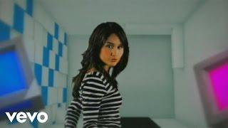 Gambar cover Cinta Laura - Cinta Atau Uang (Video Clip (Ori))