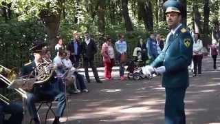 Духовой оркестр слушать можно бесконечно!