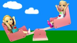 Seesaw ! Elsa and Anna - playground - slide - Barbie - games - park - picnic