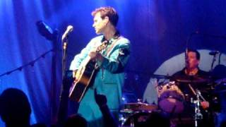 "Chris Isaak ""You Don't Cry Like I Do"""