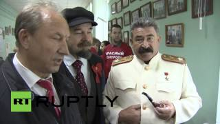 Russia: See Lenin and Stalin join Moscow voters on election day