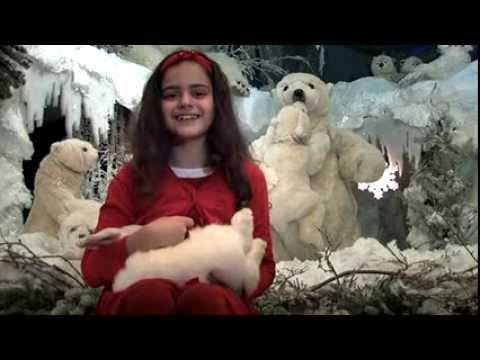Auch im Jahr 2013 präsentierte Euch Sissi wieder ein neues Weihnachtsvideo. Wir wünschen allen ein schönes Weihnachtsfest und viel Spa߸ mit Kling, Glöckchen, klingelingeling! Sissi und ihr neuer Freund der Teddyhase Pummelchen spielen das bekannte Weihnachtslied auf ihre Weise.