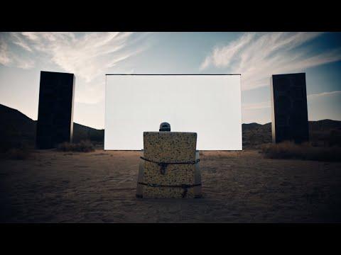 Travis Scott x PS5: Travis Scott 親自把PS5送上門跟粉絲一起開箱!