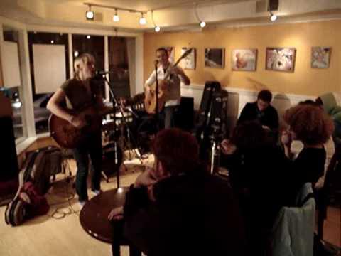 Eggroll Cafe Open Mic: Video 1: November 20, 2009