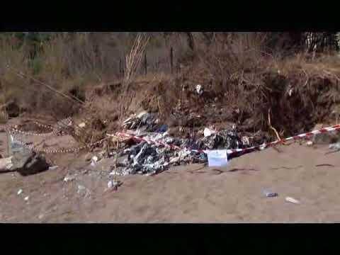Risultati immagini per villammare rifiuti interrati spiaggia