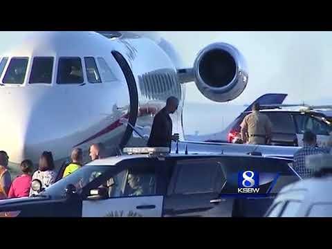 Former President Obama arrives in Monterey