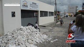 Absurdo: Obra de ampliação do CRAS 1 em Cajazeiras inaugurada recentemente já apresenta problemas estruturais em cobertura e forro; Secretário explica o caso
