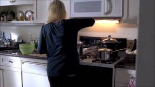 Fringe 1x12 Olivia's kitchen part 2