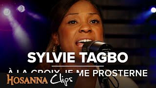 "Video thumbnail of ""À la croix je me prosterne - Hosanna clips - Sylvie Tagbo"""