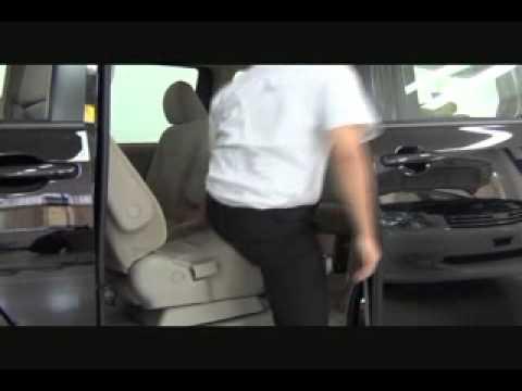 Toyota NAV1 - cara mengoperasikan kursi baris ke-2