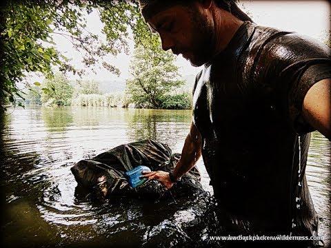 Kleiderschwimmen / Wie überquere ich einen Fluss - Microadventure Flussüberquerung -