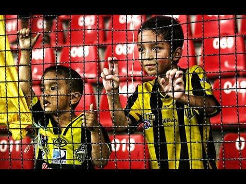 """TE SIGO DESDE PEQUEÑO // CÁNTICOS AURINEGROS // AVALANCHA SUR 1997"" Barra: Avalancha Sur • Club: Deportivo Táchira • País: Venezuela"