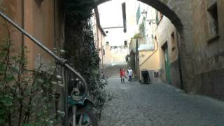 preview picture of video 'Tuscania, un borgo medievale unico.'