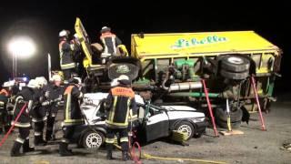 preview picture of video 'Übungseinsatz - Freiwillige Feuerwehren Kirchdorf i. Wald und Rinchnach'