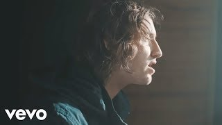 Dean Lewis Waves Video