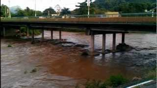 preview picture of video 'Creciente Rio Vivi en Utuado'