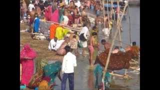 preview picture of video 'Allahabad. Kumbh Mela 2013  bhavandeep's dip in de ganges'