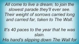 10000 Maniacs - The Big Parade Lyrics