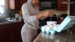 VLOGMAS #11: LEARNING TO BE A HOUSE WIFE! COOKING + CLEANING   AALIYAHJAY