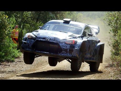 Hyundai i20 Coupe WRC 2017 pe macadam la turatie maxima