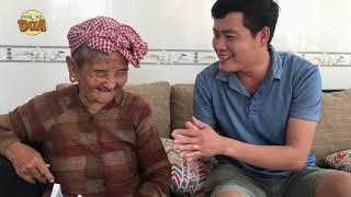 Hành động bất ngờ của Bà Ngoại bán vé số 91 tuổi khi nhận tiền các tấm lòng hảo tâm