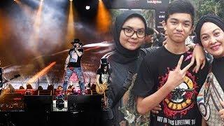 Demi Kenang Mendiang Kakak, Perempuan Ini Nonton Konser Guns N Roses Bersama Kedua Anaknya