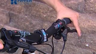 Смотреть онлайн Урок езды на велосипеде для взрослых