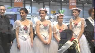 AMIRA WILLIGHAGEN: LIKE SWITZERLAND