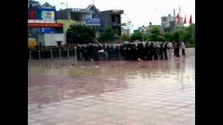 preview picture of video 'cơ động thái bình 18 8 chống bạo loạn'
