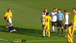 P2p4u   football   kicking ball in face