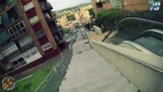 preview picture of video 'Bajando escaleras por Gava | Can tintorer'