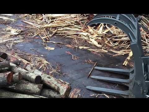 Máy xúc lật kẹp gỗ chất lượng cao - 0935.727.666