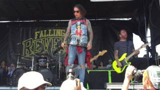 "FALLING IN REVERSE - ""I'M NOT A VAMPIRE"" LIVE (WARPED TOUR 2016)"
