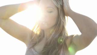 """ColbieCaillat Covers The Script's """"Falling To Pieces"""""""
