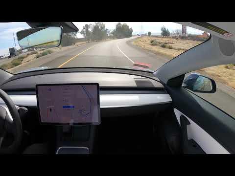 Teslas Autonome Fahrt an der Küste