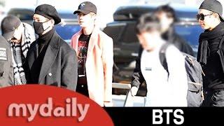 방탄소년단(BTS), 공항서도 못말리는 인기 '비행기 타기 힘드네~' [MD동영상]