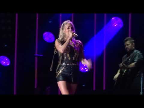 """Carrie Underwood sings """"Love Wins"""" live at CMA Fest"""