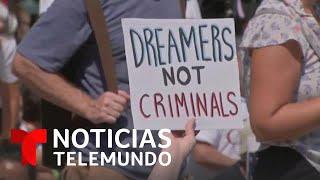 Aprobación de carga pública pone en alerta a los 'dreamers' | Noticias Telemundo