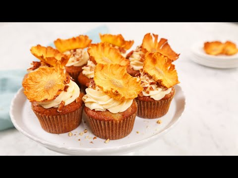 Hummingbird Cupcakes | The BEST Easter Dessert