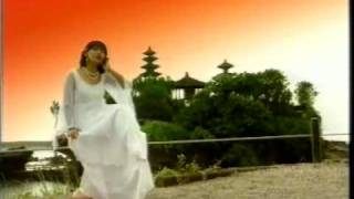 Download lagu Merry Andani Denpasar Moon Mp3