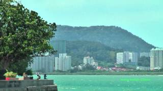 preview picture of video 'Malaysia, Penang island, City Hall area, the andaman sea, october 12, 2012'
