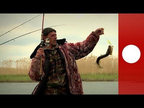 Il russo che pesca nel 3o rullo su che impigliarsi