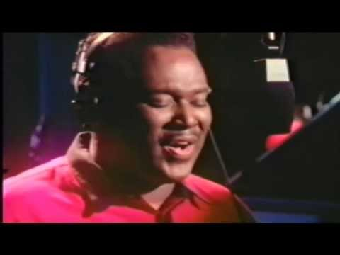 #nowwatching Luther Vandross LIVE - A House Is Not A Home