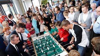 Imagevideo: Lukas Podolski besucht die PSD Bank Köln